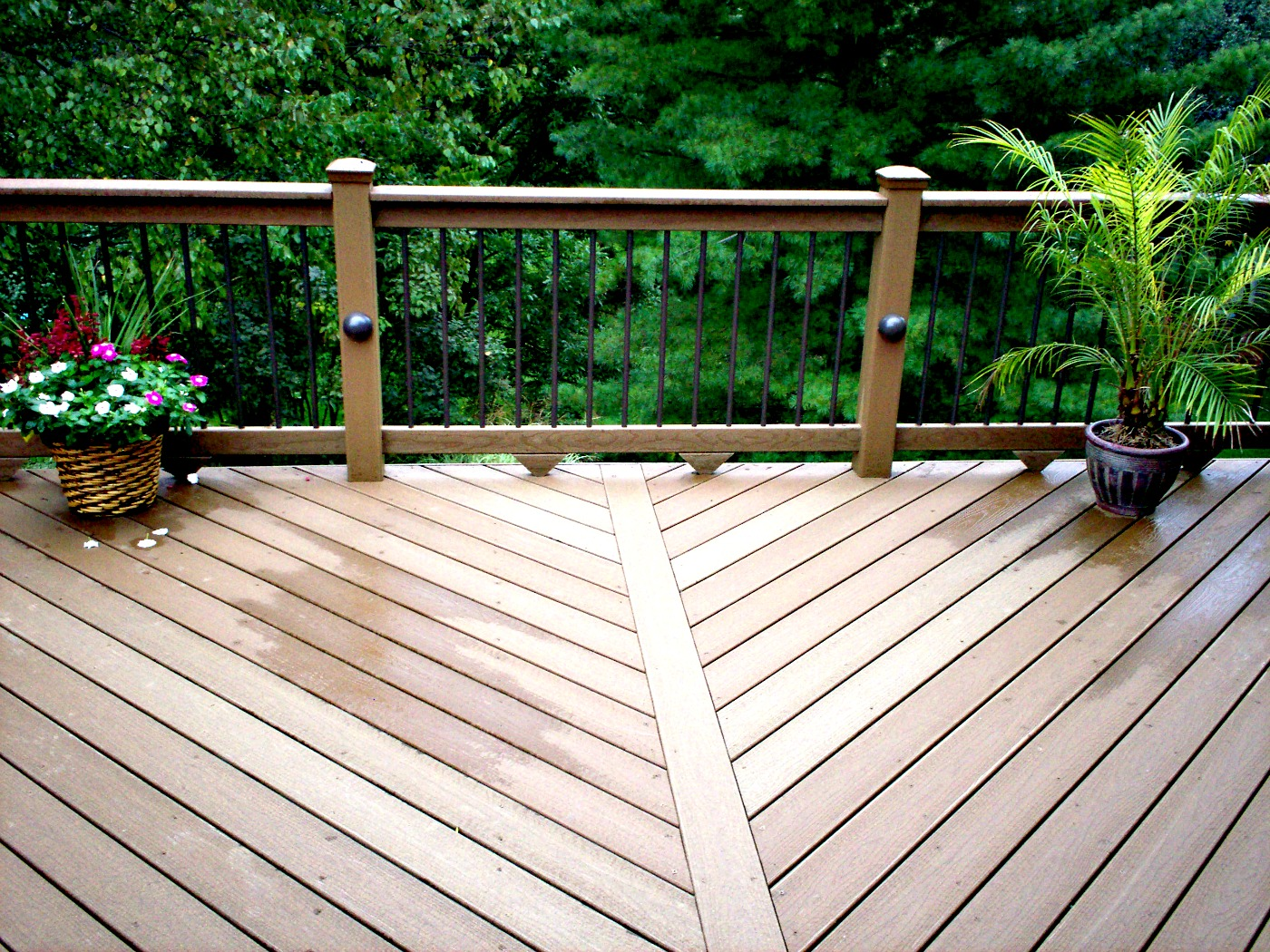 5 simple reasons why you should consider a composite deck VJAUNMM