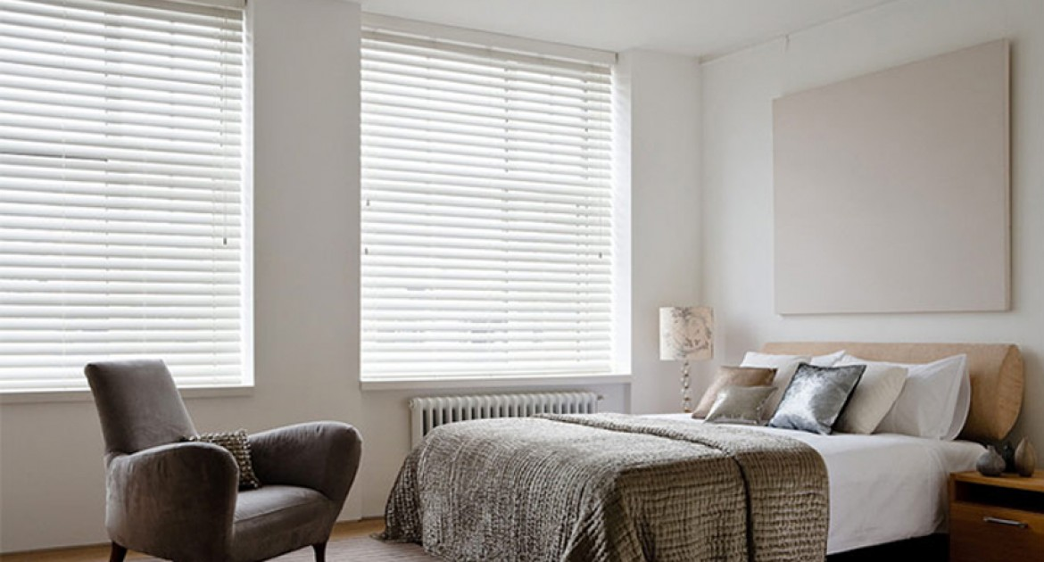 bedroom blinds how to choose the perfect blinds for your bedroom VENHLCE