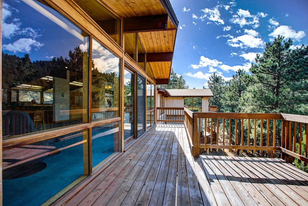 deck house gallery image of this property OHASBLS