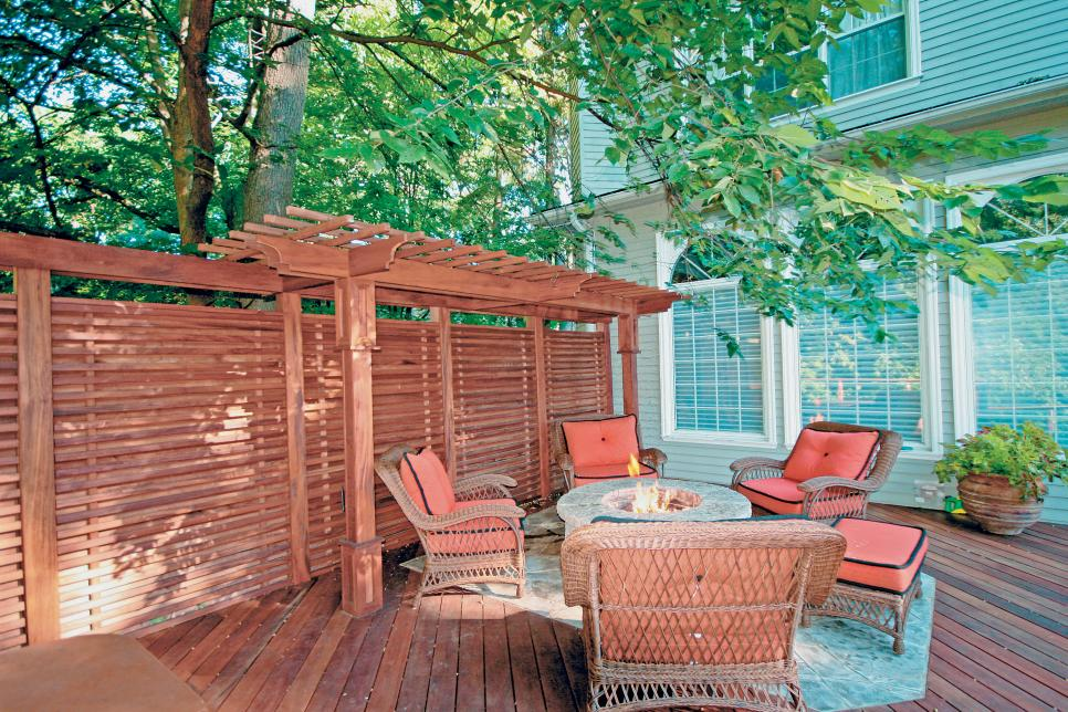 How to choose the deck privacy screens
