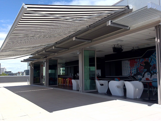 electric awnings this is the luxury that the electric retractable awnings bring along. have RVZIPLU