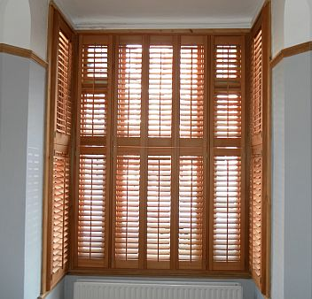 for wooden window shutters in london tel: 0845 459 0363 ZXJRCSF