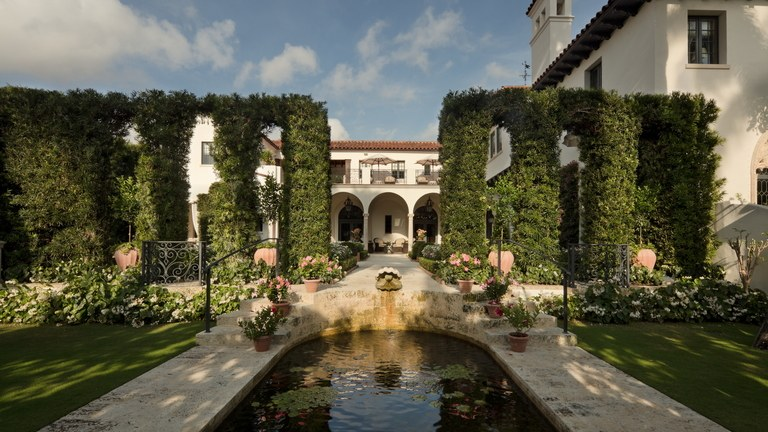 garden architecture this italianate terraced courtyard was inspired by the garden at the AEXWXHZ