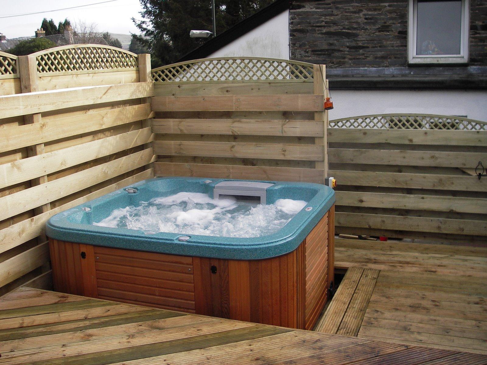 garden decking ideas garden decking with a hot tub on it QEZUJZB