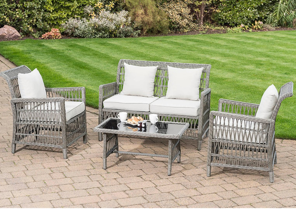 Tips on Choosing the Right Garden Furniture