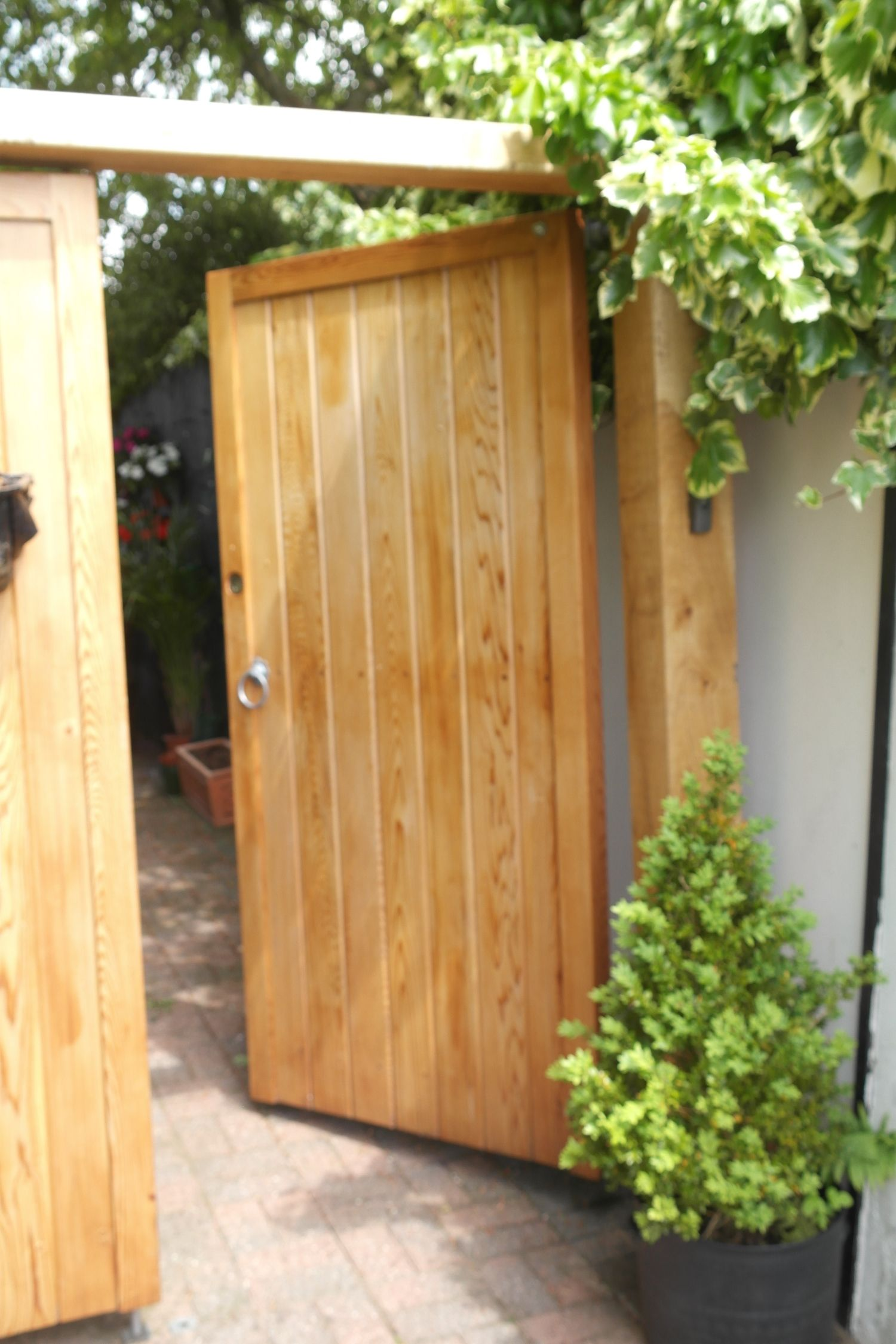 garden gates and side gates - handcrafted in the uk to any NFIKZFY