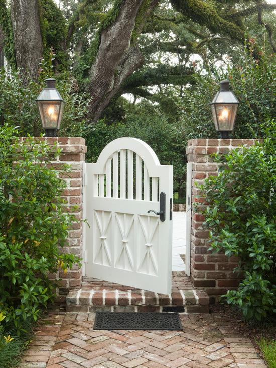 garden gates waist high garden gate with peek-a-boo slats in the top half, surrounded UYLBINR