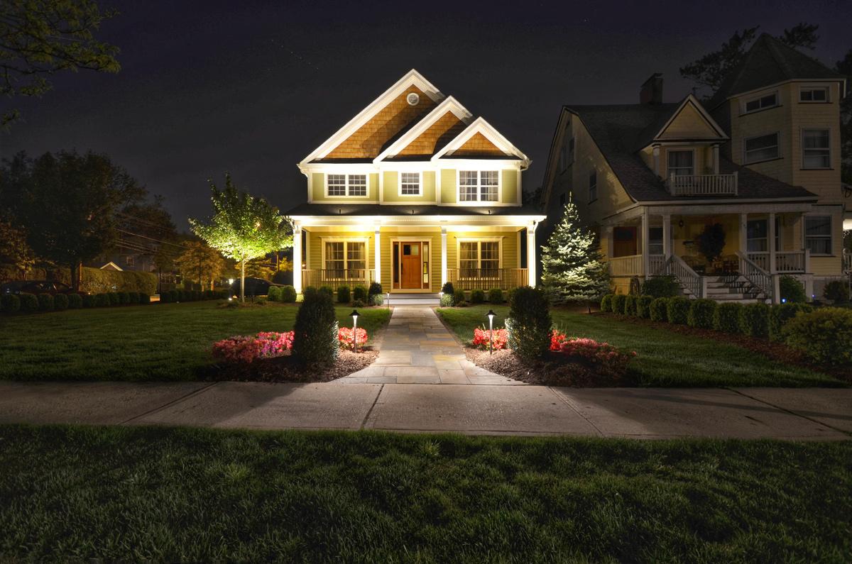 landscape lighting how to make a big impression with just a little outdoor lighting! DFRKFTD