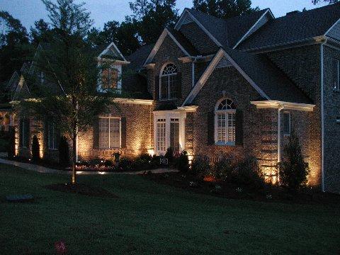 landscape lighting makes a striking first impression. UUUXTSL