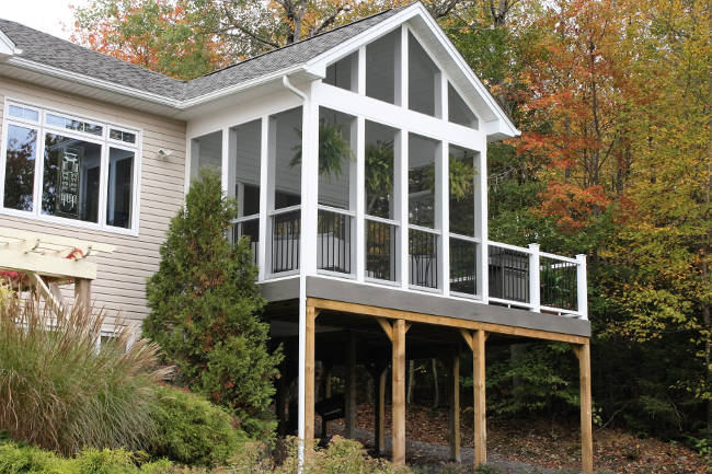 large composite deck with beautiful screen porch KPHXVTG