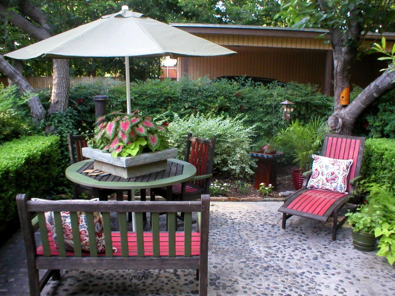 outdoor decorating ideas quick + chic outdoor decorating tips LDAITTF