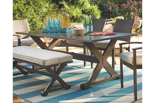 outdoor dining table: provides a great look of the outdoor place HQNMDEG