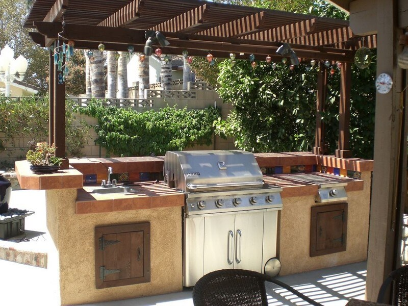 outdoor kitchen ideas 1. barbecue grill and prep station FFIZRSD