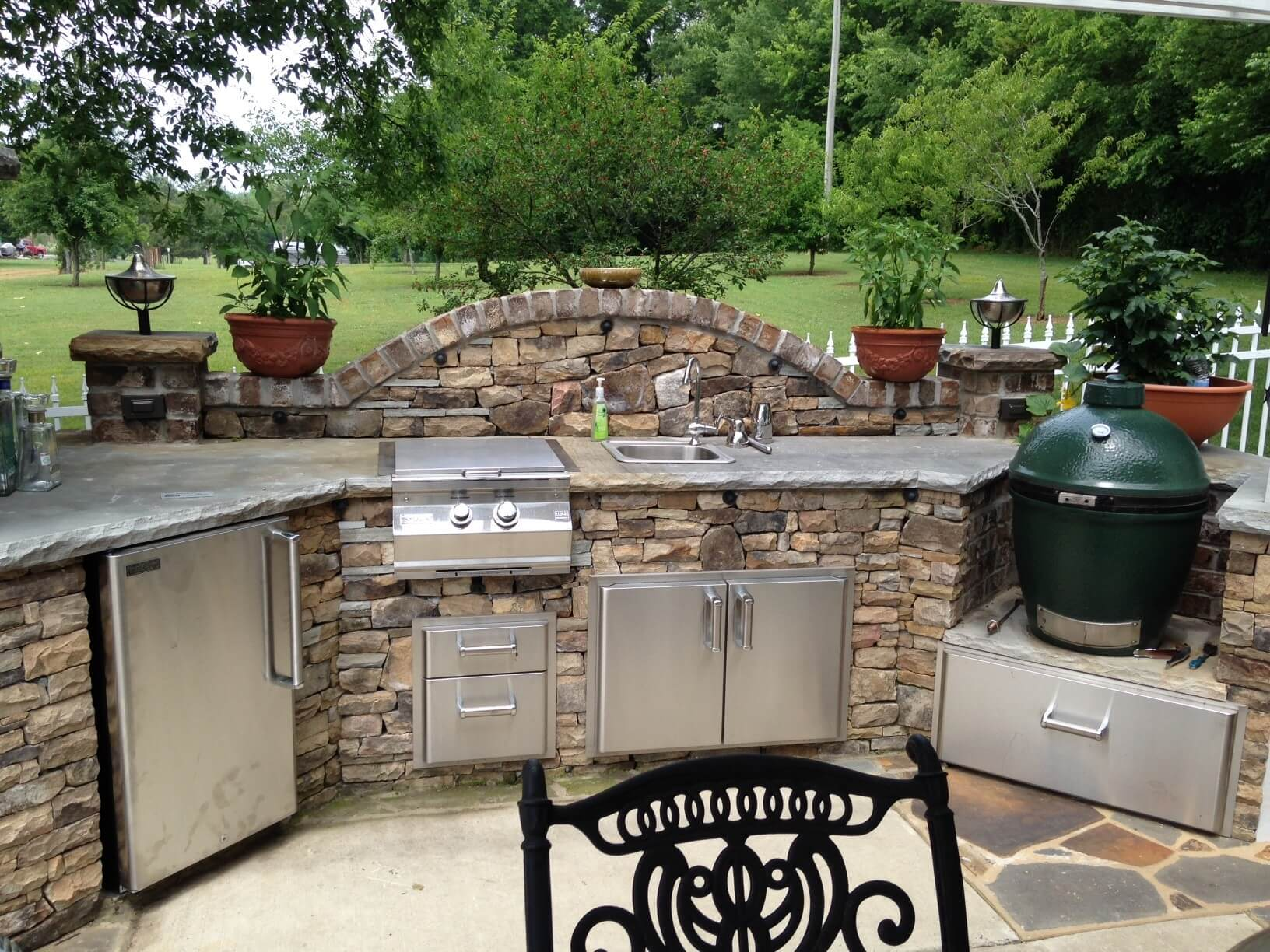 outdoor kitchen ideas slate and stone outdoor kitchen décor QAXLOWI