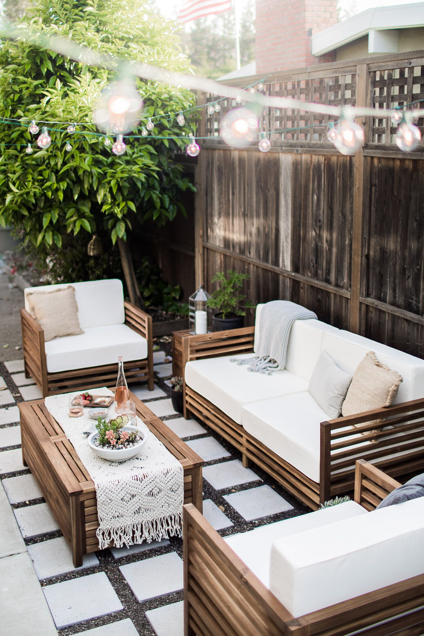 outdoor living furniture gravel and cement- 17 modern outdoor spaces MFFSEGQ