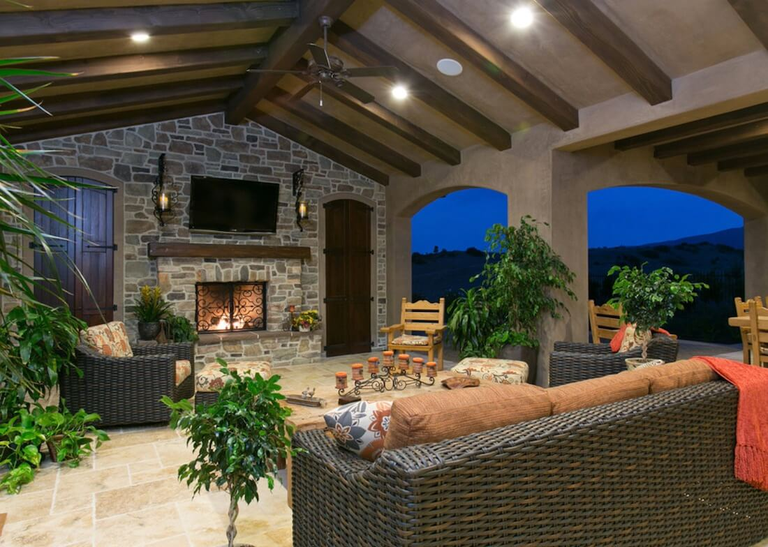 outdoor living ideas outdoor living spaces with tv UBSQTCA
