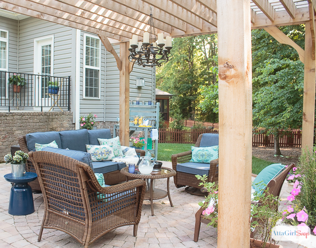 patio decorating ideas see how we transformed our boring back yard with the addition of DTVHMQT