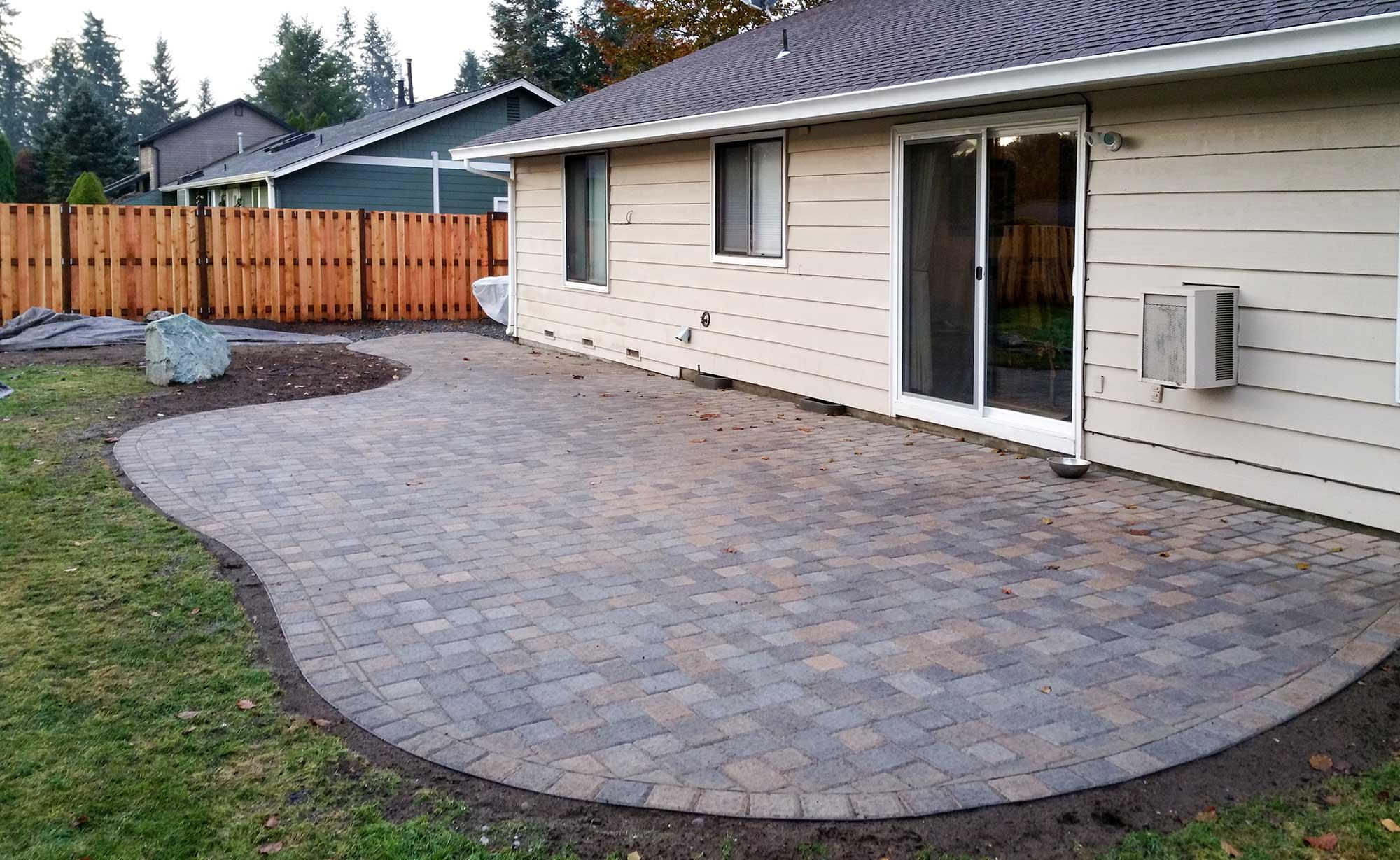 patio pavers jamestown blend paver patio with good neighbor fence, JOFVHKT