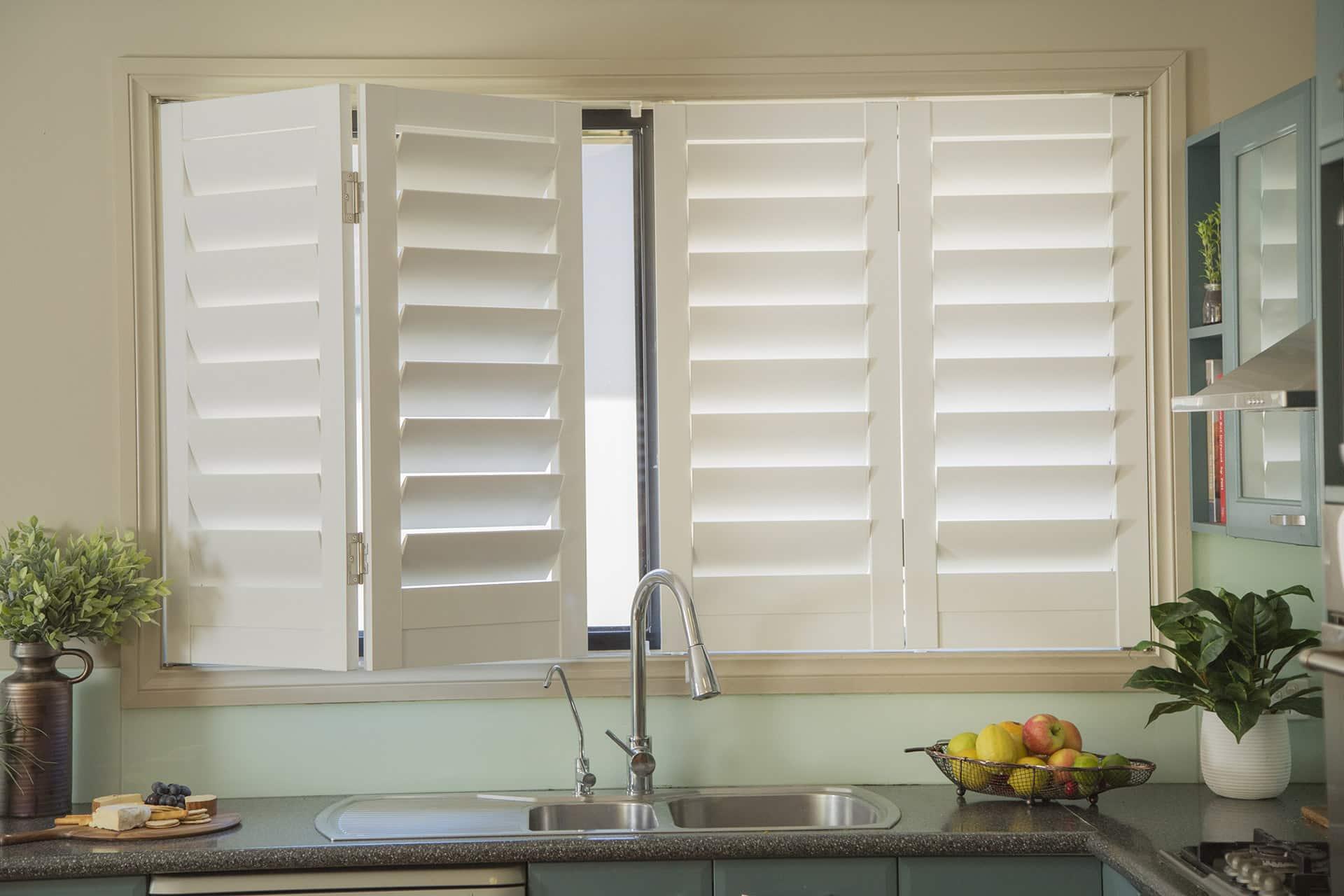 plantation shutters bi-fold-kitchen-plantation-shutters.jpg YYPIFRW