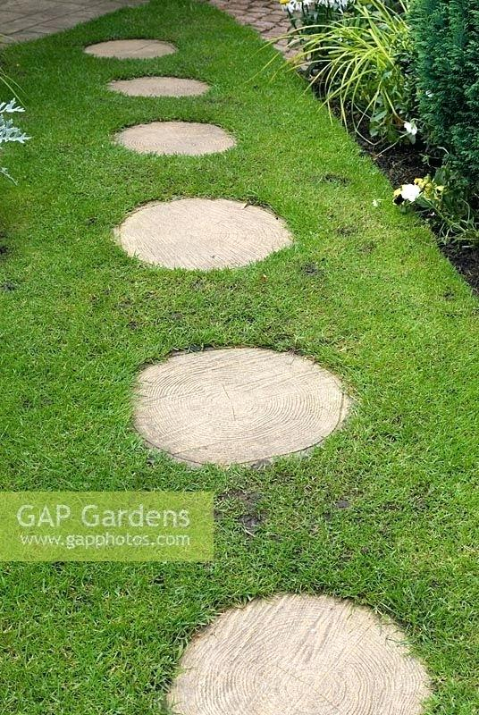 round stepping stones gap gardens circular stepping stones in lawn daycare peckville pa full size RUFTUET