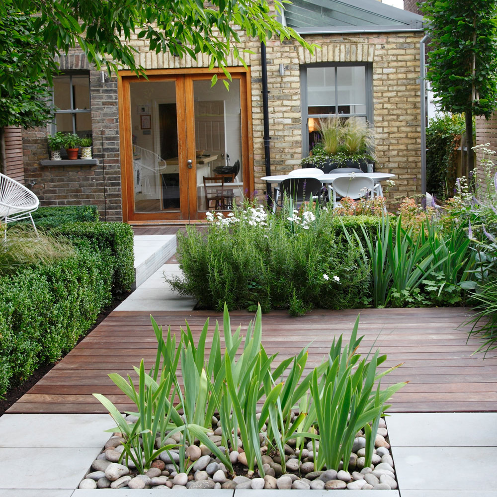 Small garden design tips of new gardeners