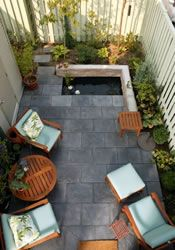 small yard ideas--different things that can be done with narrow spaces QRMUAPS