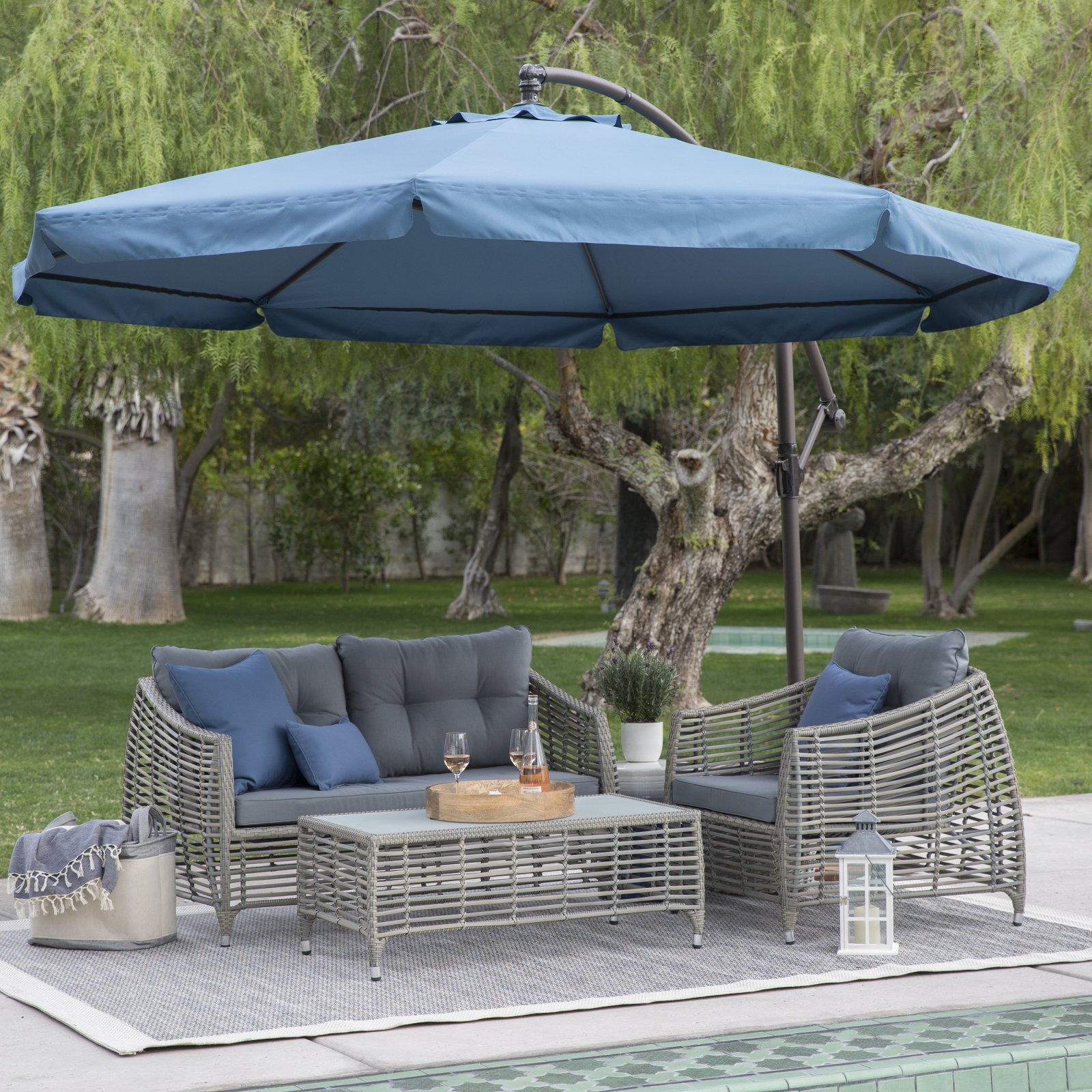steel offset patio umbrella with detachable netting HHUURMS