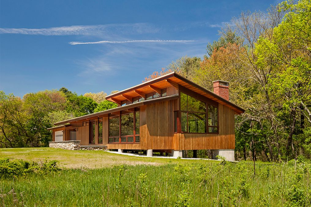 the deck house is a stunning and historic style of architecture, which ICSDLVN