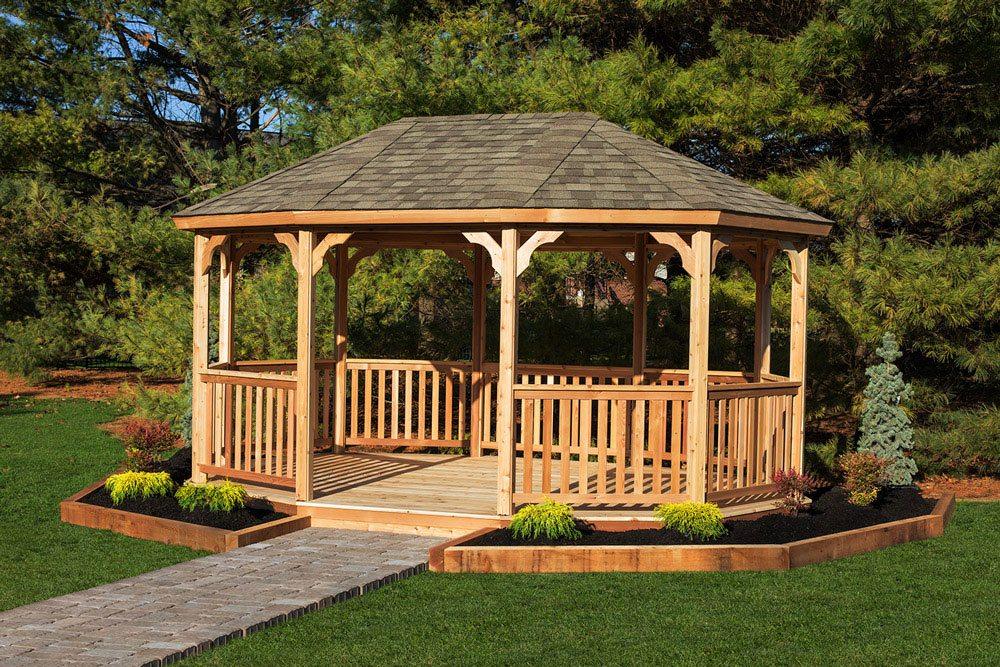 Wooden gazebos to improve the look of the garden