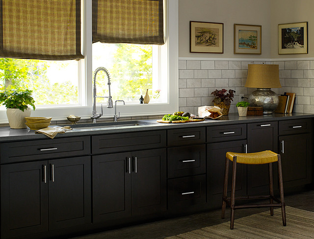 Black Kitchen Cabinets | Dayton Door Style | CliqStudios