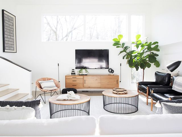 A Feng Shui Healer Thinks Your Living Room Is Missing These 3 Things