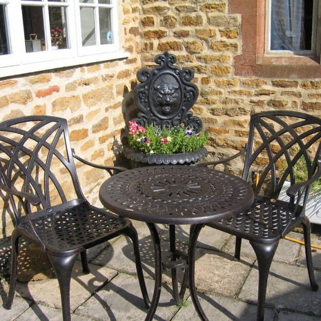 Why Should You Go For The   Garden Bistro Sets?