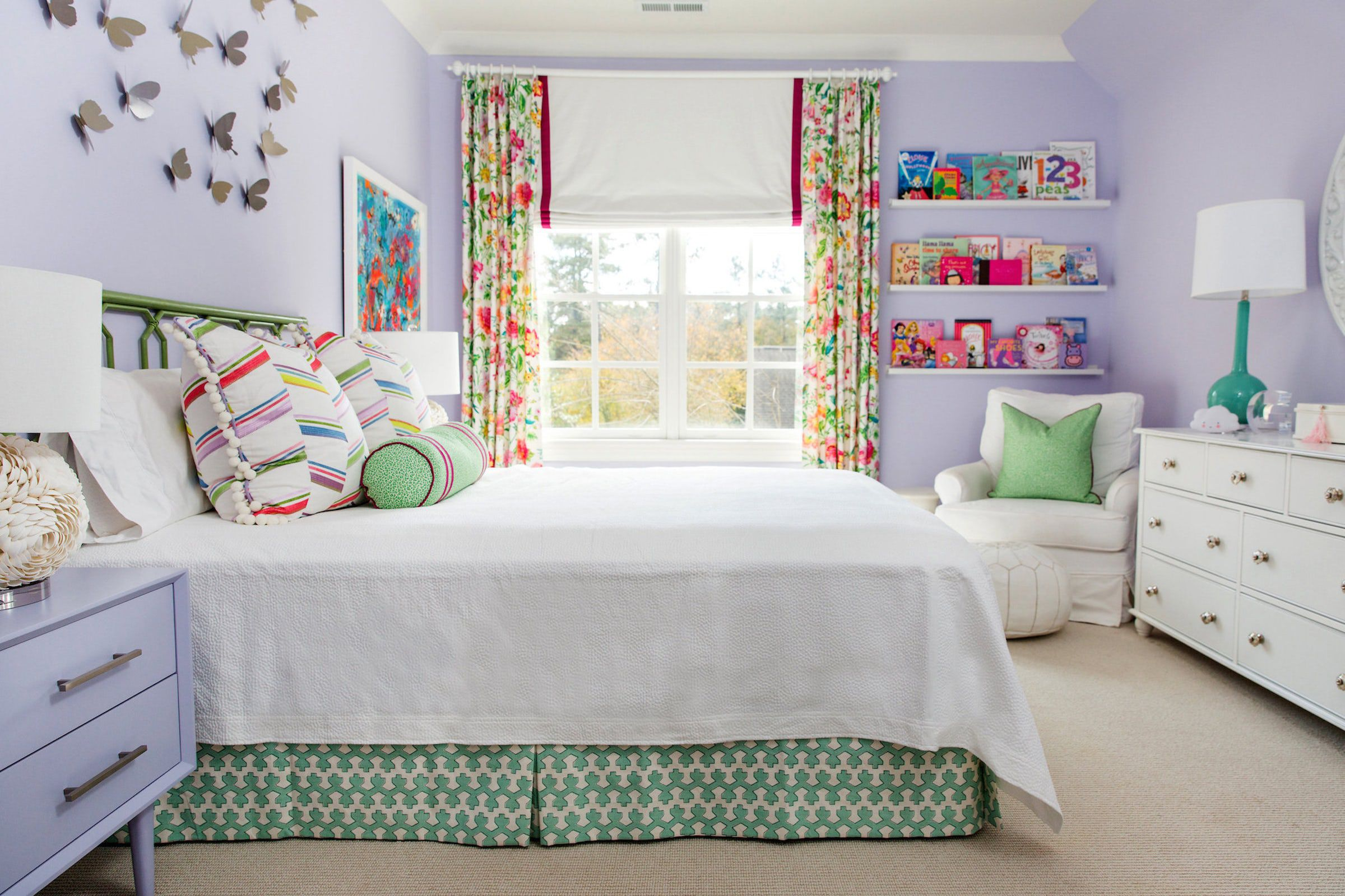 How to Decorate and Furnish A   Girls Bedroom in your Home