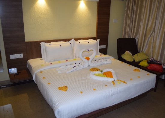 room decoration - Picture of The Mountain Courtyard, Thekkady