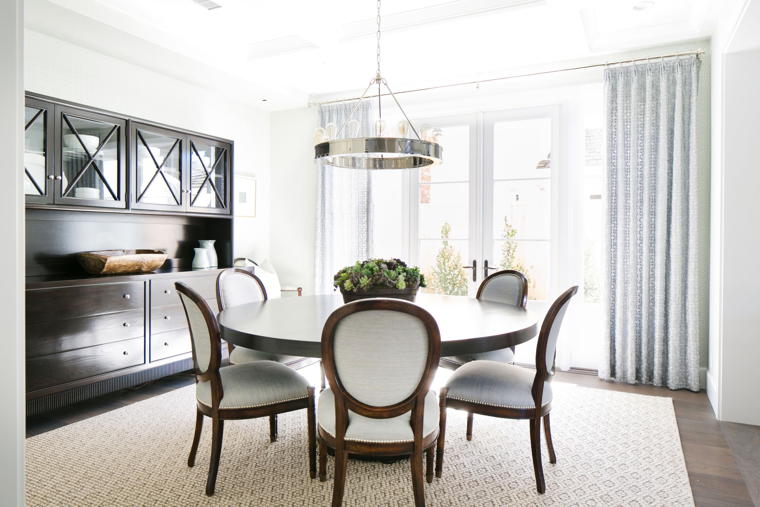 23 Best Round Dining Room Tables - Dining Room Table Sets