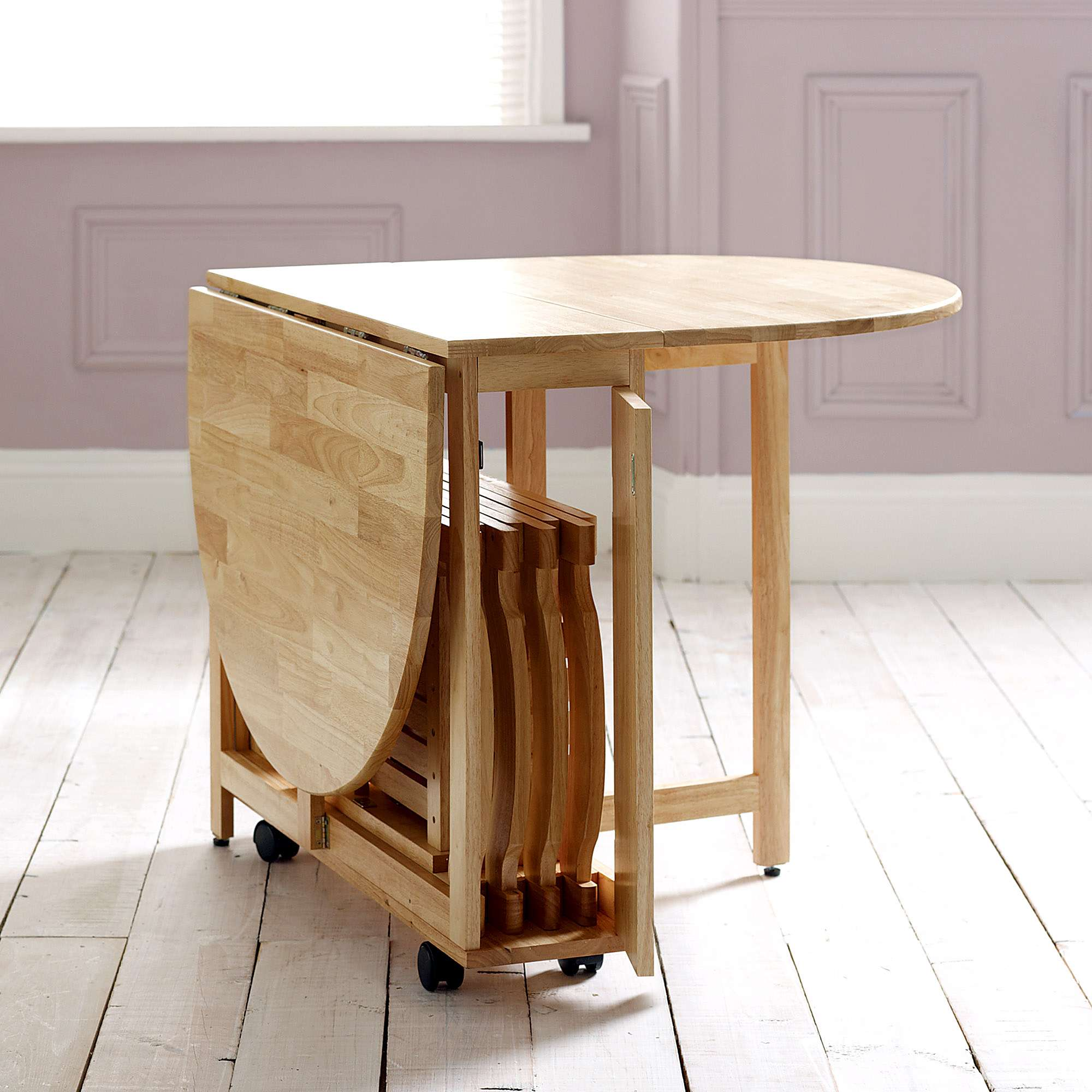 Folding dining table – comfort in small space