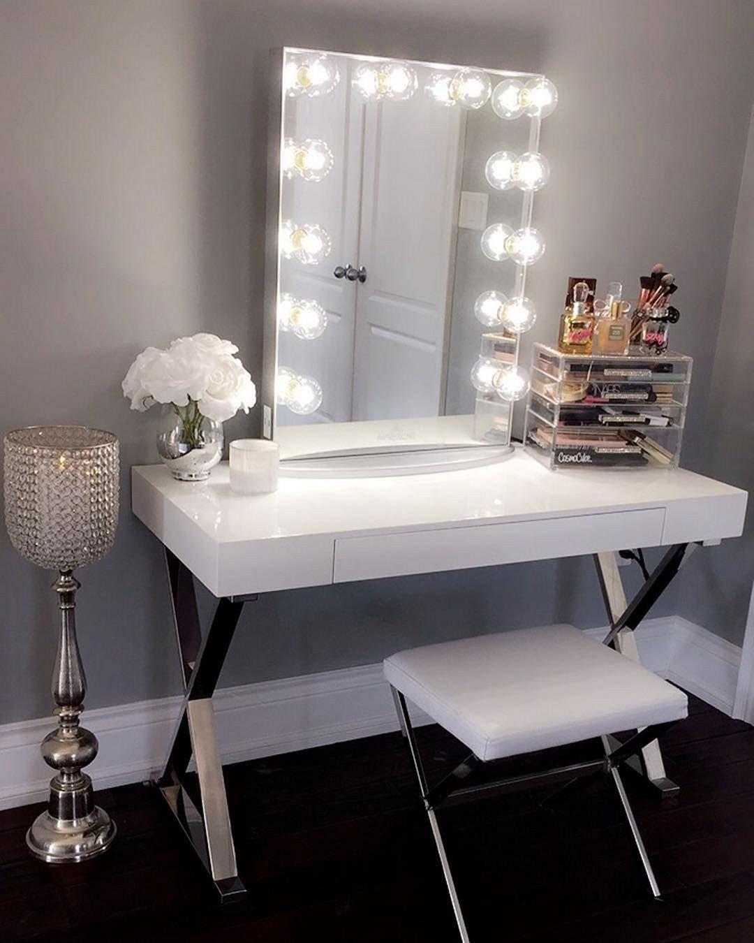 The role of bedroom vanity